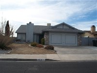 Nice house in Victorville with a fireplace, Wood Stove, Covered Patio