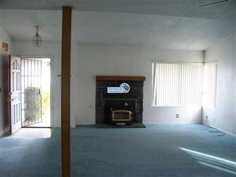 Nice house in Victorville with a fireplace, Wood Stove, Covered Patio 3