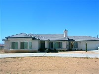 Very nice 4 bedroom in Apple Valley