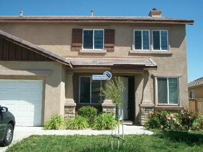 Large 2,600+ sq. ft. home in Victorville 1