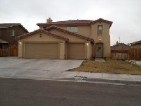 Great 4 bed 3 bath home in adelanto
