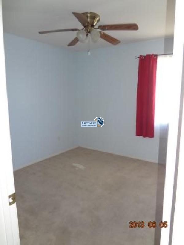 Pleasant 3-bedroom home in victorville 9