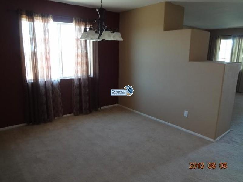 Pleasant 3-bedroom home in victorville 11