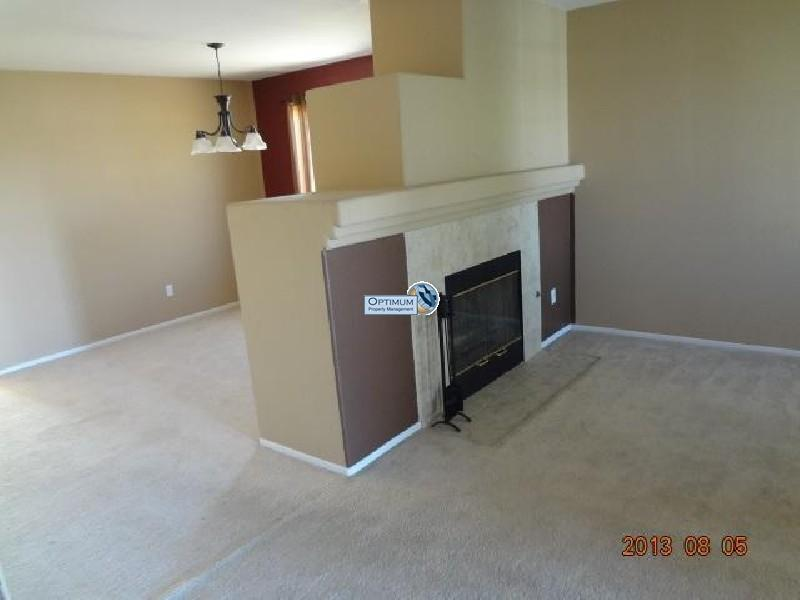 Pleasant 3-bedroom home in victorville 8